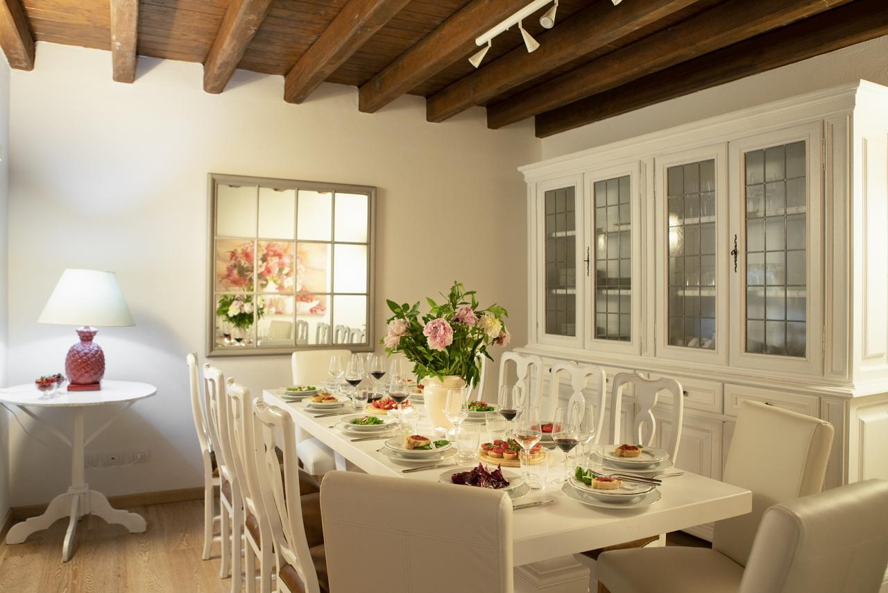 15 Villa Lower Floor  Dining Room.jpg