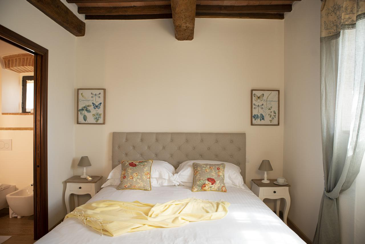 7 Villa Pianora Bedroom Margherita (2).jpg